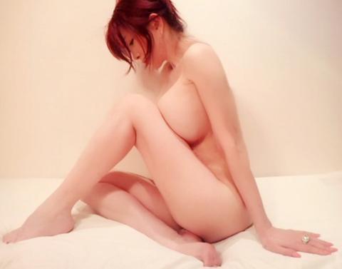 叶美香、最新の全裸ヌード画像公開…2ch「おっぱいオバケ…」「もう人間じゃない…」(※画像あり)