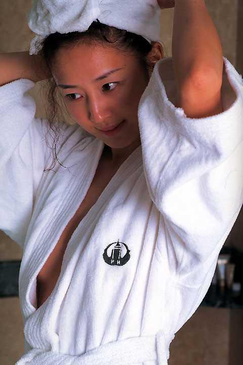 再始動Wink鈴木早智子、相田翔子ペアヌード…揃って全裸、AV堕ちしてセッ○ス公開…