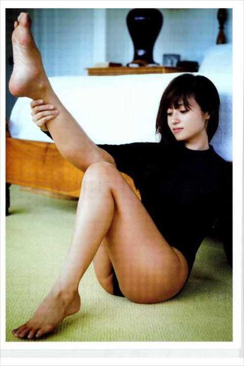 【ハプニン具】深田恭子さん(36)マン肉ビラビラ事故wwwぷっくりハミ出していたwww(※画像あり)