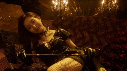 田中みな実、ホテルで開脚くぱぁ&乳出しボンテージプレイ!エロ仕事の方が生き生きしてないかw